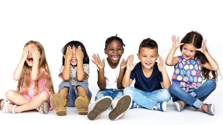 以身作則,教孩子接納和自己不一樣的族群