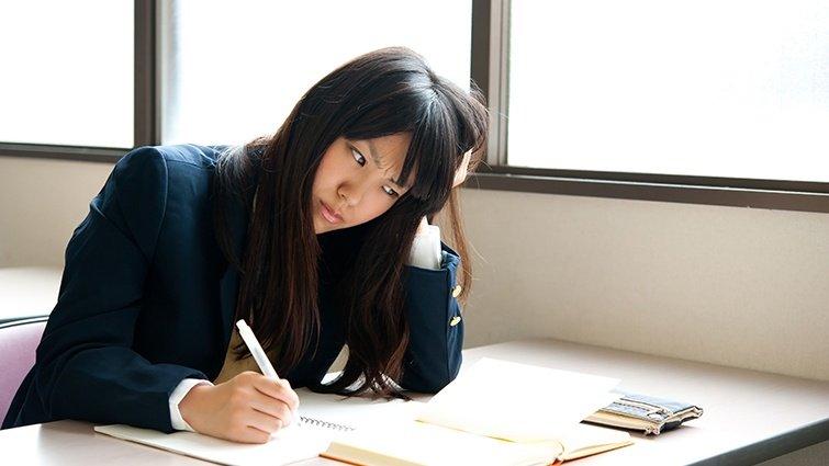 【請問教養專家】女兒自我要求高,考試沒拿第一名,整天哭不吃飯,該怎麼辦?