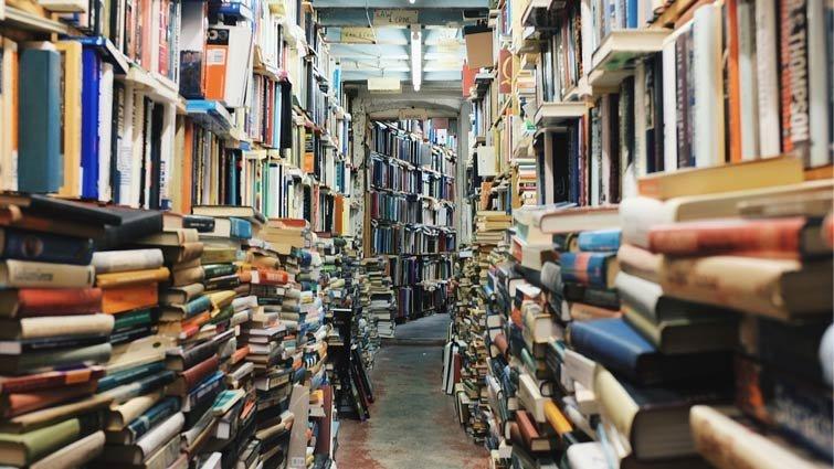 不念書也沒關係!擁有很多書才重要│《超強資優生養成班》