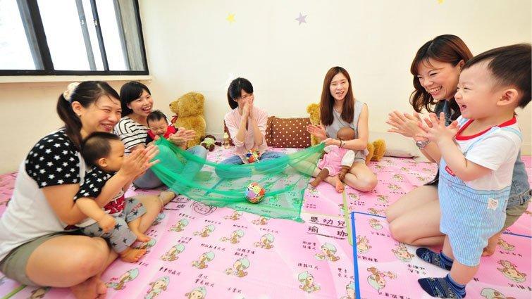 嬰兒手語:幫助寶寶「說」出需求與情緒