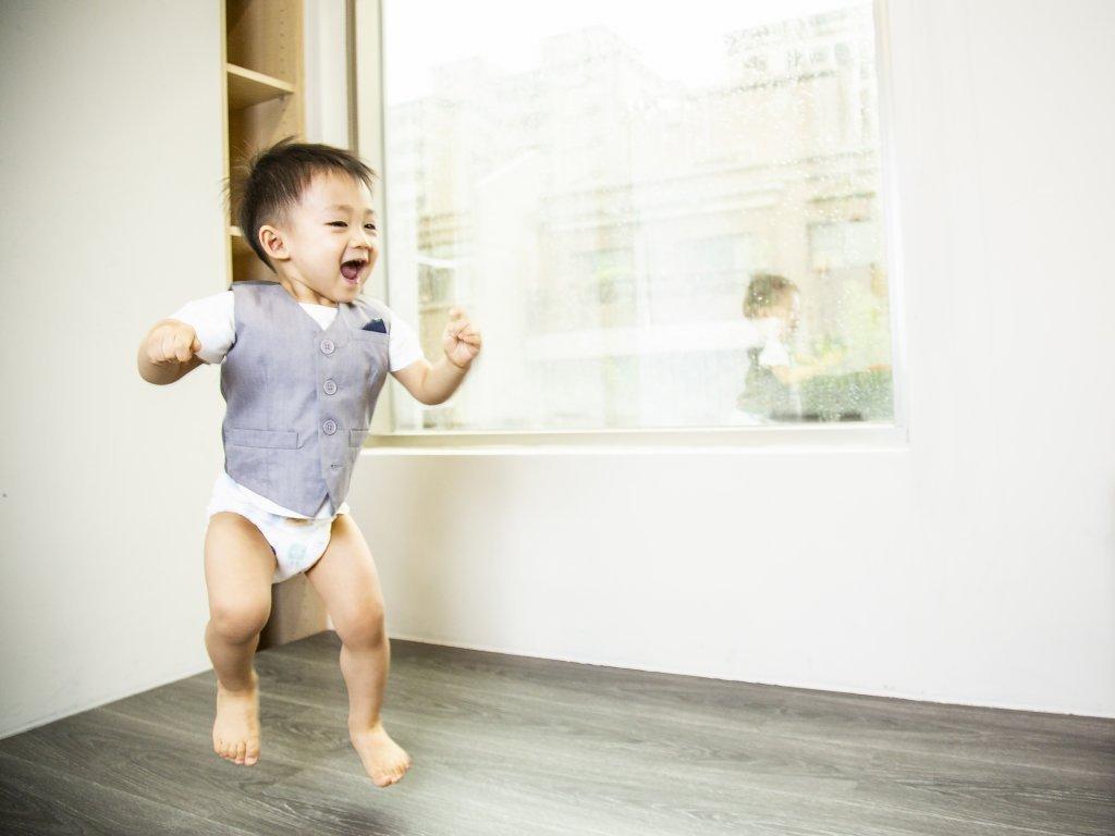 讓寶寶自己選!探索自我、建立自信,在愛中輕鬆翻滾、自由玩轉
