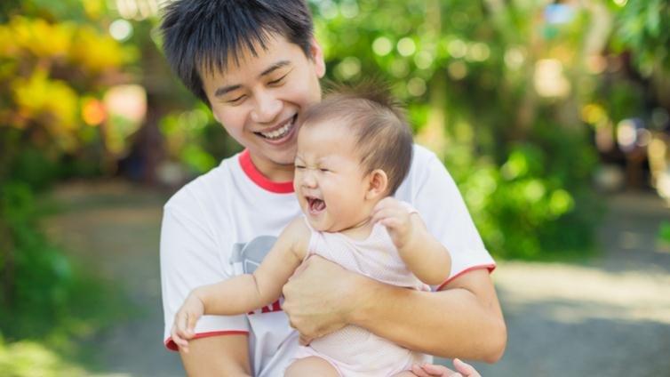 牛津大學:爸爸多陪寶寶玩,寶寶更聰明愛冒險