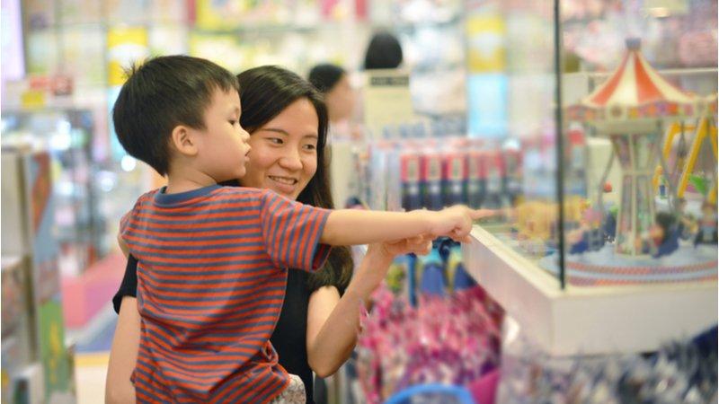 2020全球玩具新趨勢:「寶可夢」推出「尪仔標」、「大富翁」學人生情境