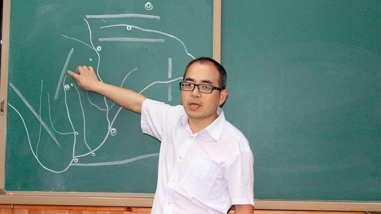 四川廣元天立國際小學語文老師舒凱  讓小學生寫出萬字論文