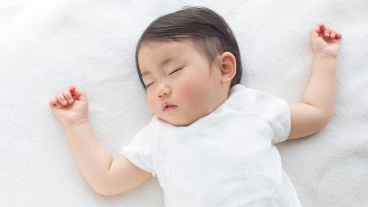 4個對策,避免夏季感冒讓多汗小孩一覺好眠