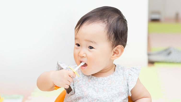 如何保護乳牙?對照成人和小孩刷牙