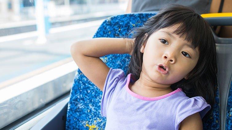 捷運公車上該讓位給小孩嗎?