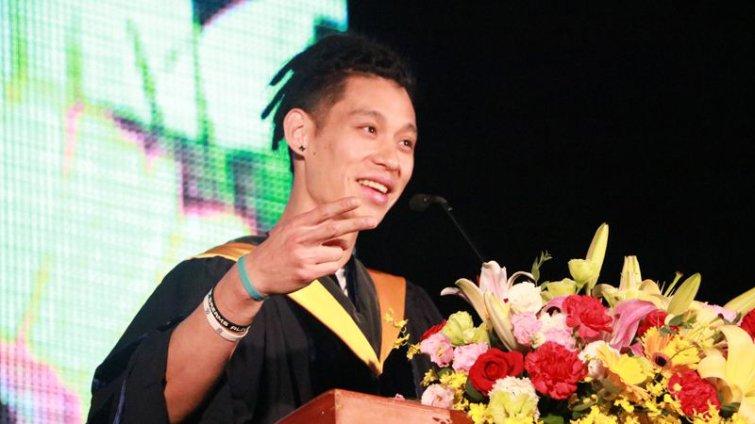 林書豪政大畢業典禮演講:要偉大,就要有些瘋狂