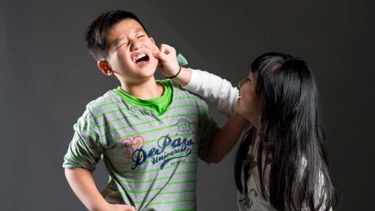手足爭吵,父母如何從中調停?