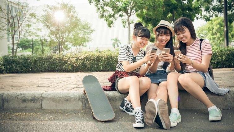 史丹佛大學最新研究:數位世代一心多用,將阻礙社交能力