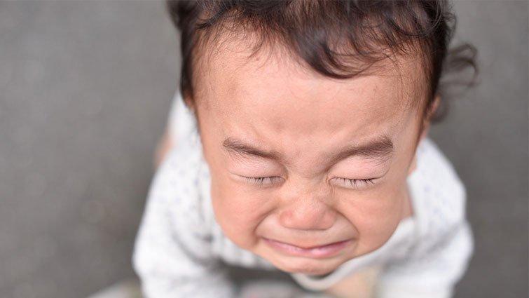 滿月後的寶寶仍有黃疸, 這樣正常嗎?