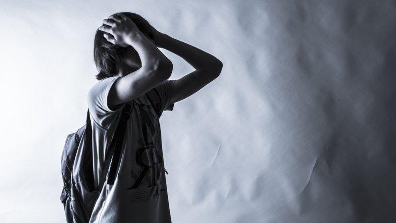 防治青少年自殺有解方!最新研究:家人外的支持者是關鍵