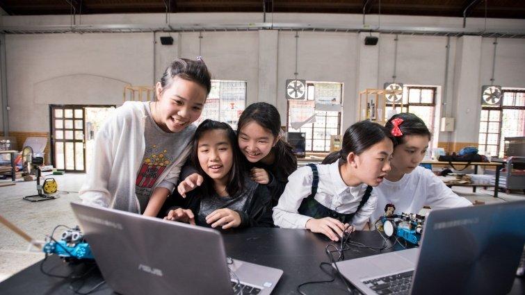 宜蘭縣自造教育中心:科技教案模組化,讓每個老師都能教