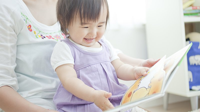 何時可以開始親子共讀?黃瑽寧醫師:三個月大即可展開