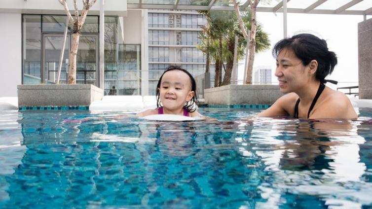 防曬、溺水、脫水,父母必知幼兒夏日戶外活動守則