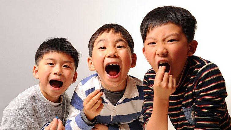 新鮮事/家庭不和諧的孩子更愛吃糖