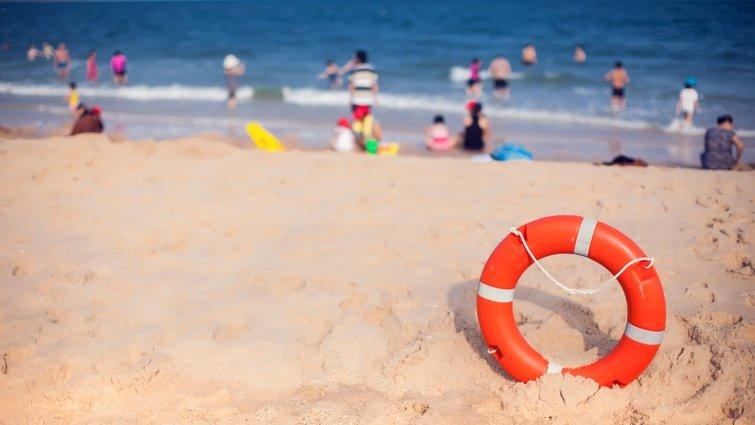 溺水意外頻傳,除了貿然下水救援,你有更好的選擇
