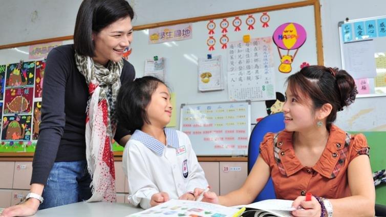 美國中小學再度流行家庭訪問,跟孩子的老師來場約會吧!