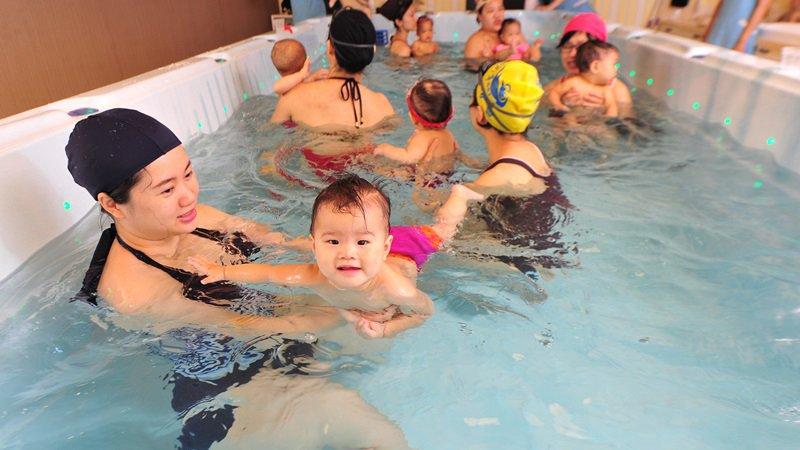 預防溺水 美小兒科醫學會建議:一歲起就應學游泳