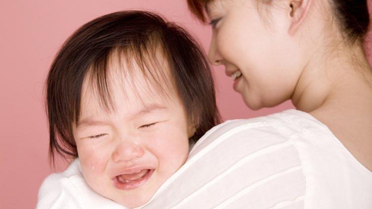 為什麼寶寶哭,媽媽比爸爸更早聽到?