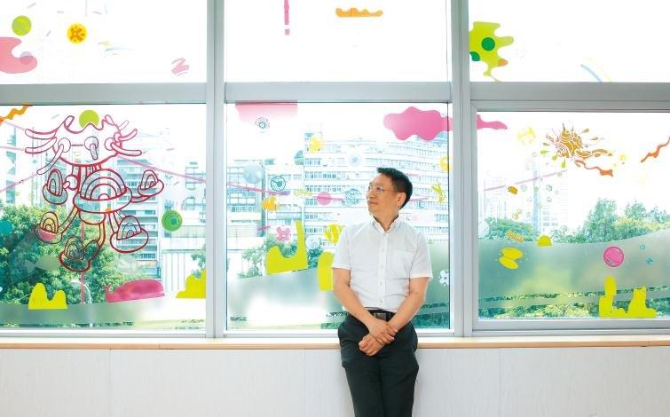 台灣兒童友善醫療之父呂立:醫病之外,我更想治孩子的恐懼