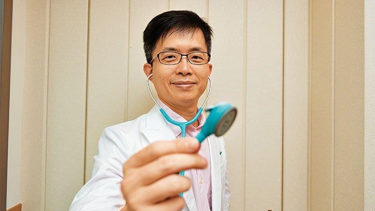 網路紅人「柚子醫師」 幽默化解爸媽不安