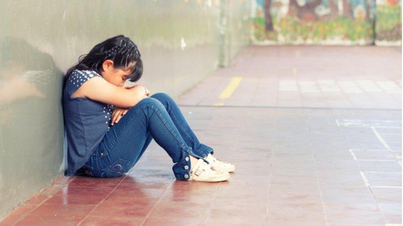 青少年愈在乎社交衝突,父母愈該讓孩子打自己的仗!