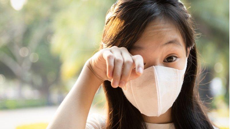 戴口罩好悶熱!皮膚炎、眼疾患者增加,預防這樣做