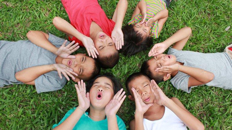 史丹福大學研究:小孩的暑假需要玩、耍廢、與家人相處