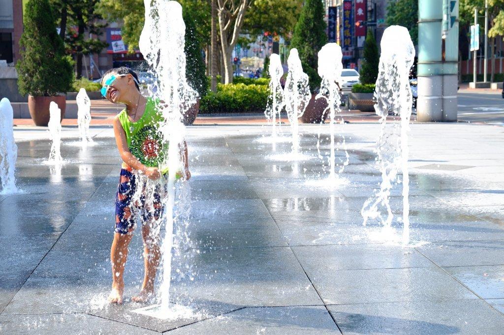 夏日洗衣就靠一匙靈抗菌EX! 洗淨頑強污漬、超越日曬等級除菌除臭力,讓全家人都能快樂擁抱戶外生活