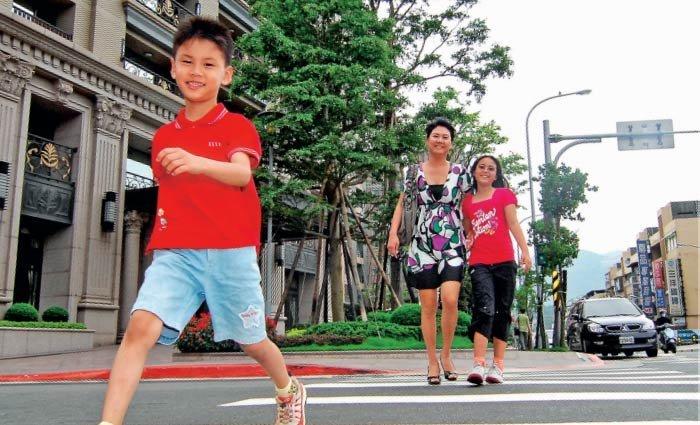 陳安儀:三趟實習,讓孩子自己搭公車