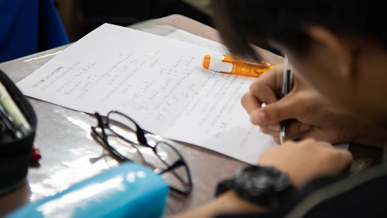 台中市國中生每六人就有一人讀私校,小三生超前學習拚私中