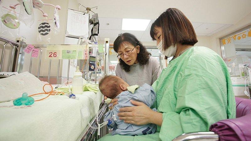 退休也離不開早產兒病房  許瓊心:感謝家人讓我當「瘋狂等級」的醫師