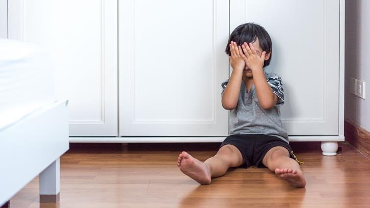 虐童新聞,除了憤怒和私刑,我們能如何接住這些脆弱家庭?