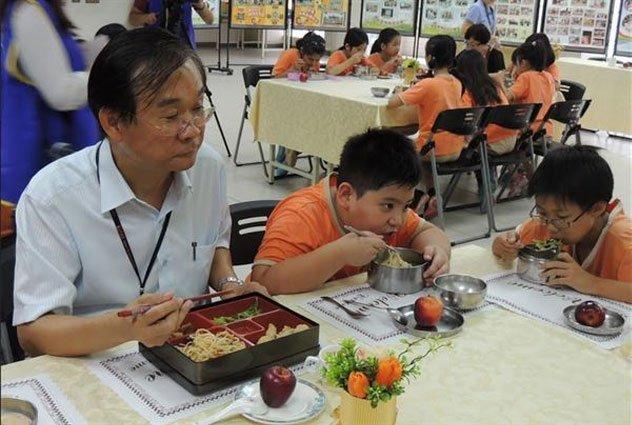 學童高鈣午餐有影嘸?營養師:鈣質仍不夠