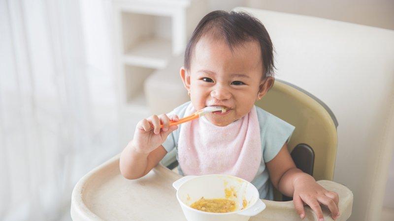 副食品怎麼吃才「正確」?專家眾說紛紜,重點是,寶寶怎麼說?
