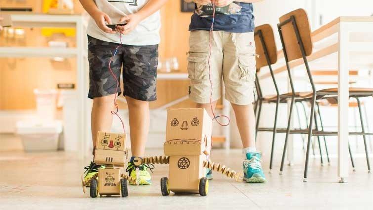 【科學玩具自造王】親子一起動手做,在家就能開Maker Party!