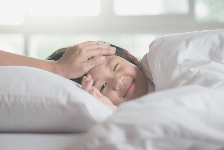 小孩發燒,積極退燒是第一選擇嗎?