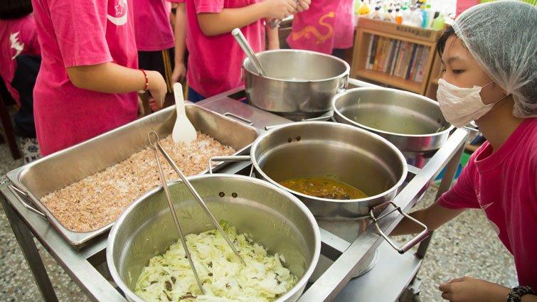 新竹三民國中營養午餐評選會,邀請學生一起參與