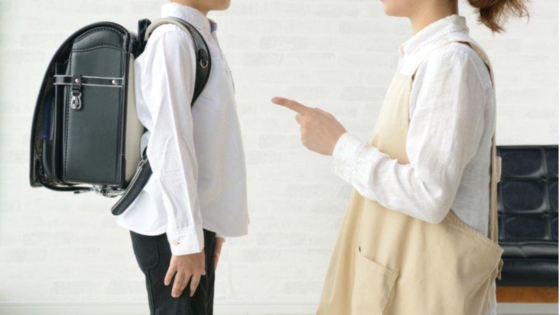 「要記得喝水、記得穿外套、記得……」別再用口令訓練孩子的責任感