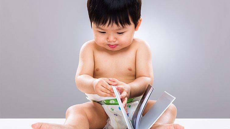為什麼小小孩什麼事都堅持自己來?為0~1歲寶寶選書的6大原則及推薦書單(下)