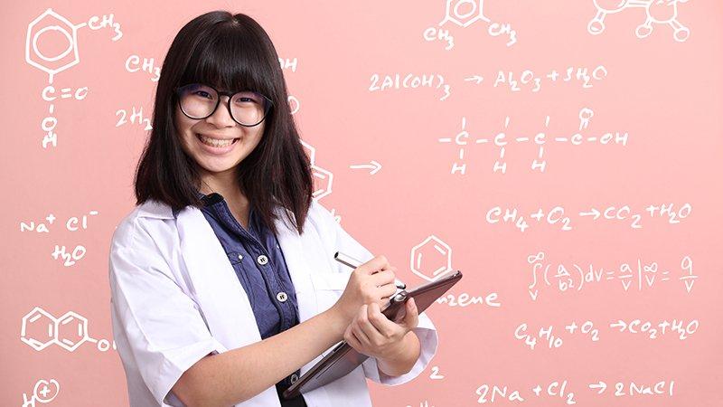 透過閱讀和科學共處,看看科學家眼中的浪漫世界!