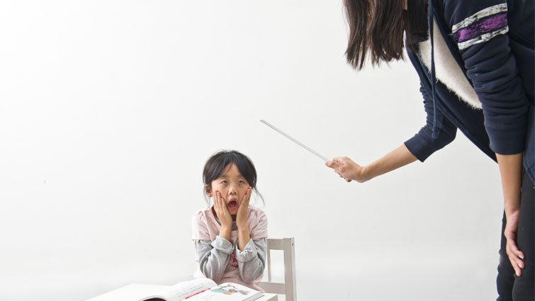 校長的勇氣:不適任老師轉校,只是把問題丟給別人