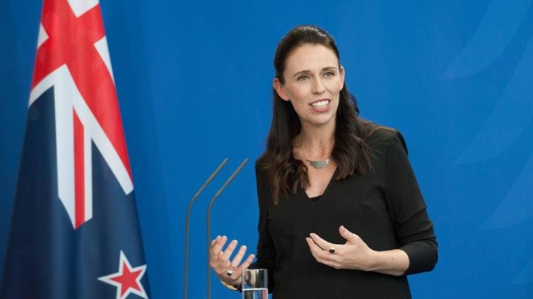 紐西蘭女總理被全球讚爆的祕密 那些「年少輕狂」教她的事