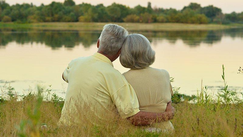 鄧惠文:如何從愛情墳墓走到婚姻寶庫