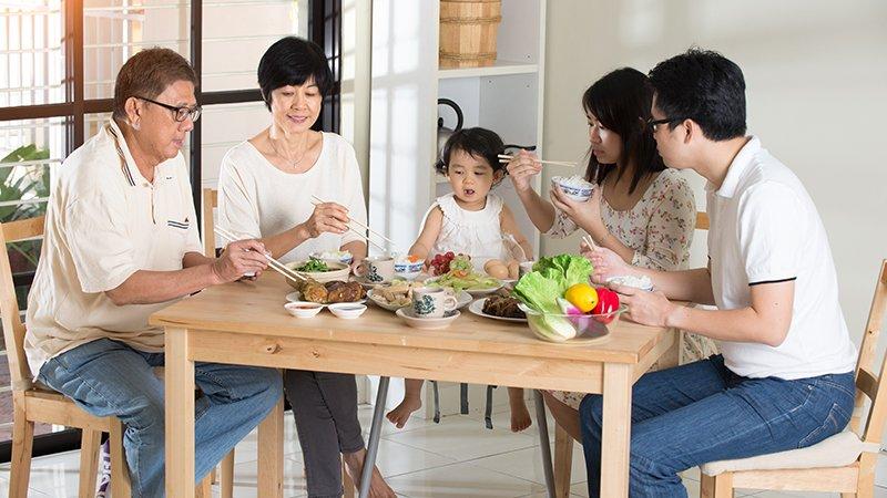 鄧惠文:走入另一半緊密的原生家庭,會引發哪些考驗?