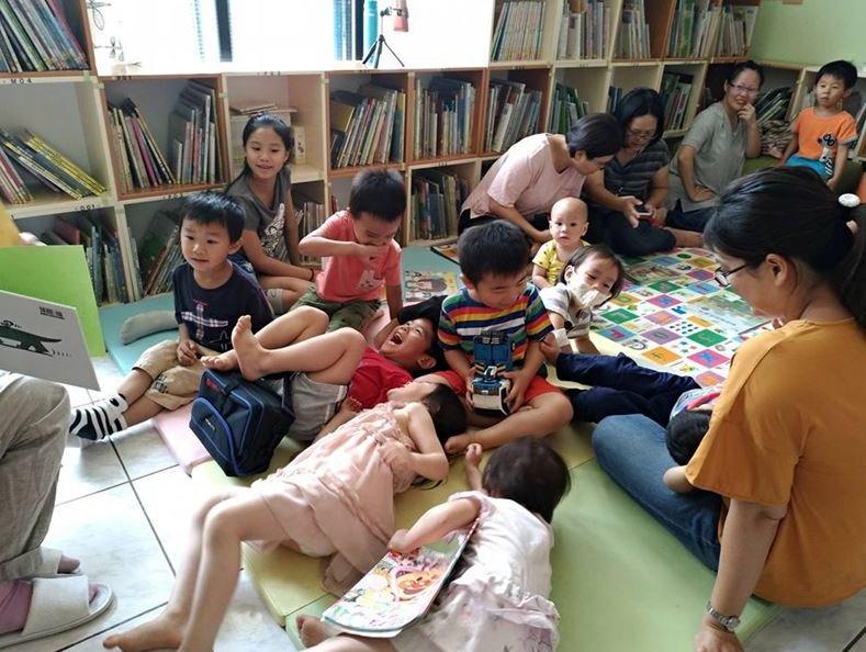 朗朗小書房創辦人蔡明灑:為孩子朗讀,因為「書本之前,人人平等」