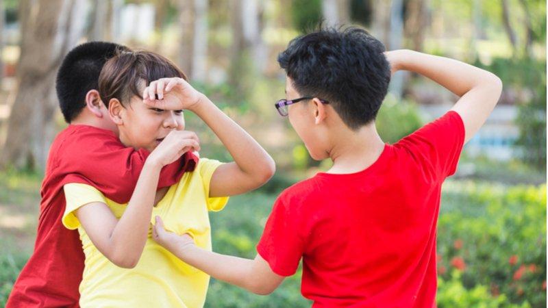 處理孩子間的紛爭,大人先別急著當裁判