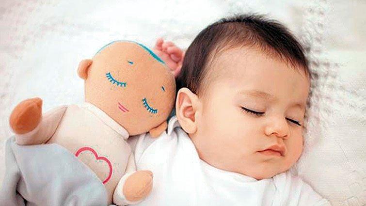 哄娃太累? 媽媽瘋買哄睡神器——盧拉娃娃