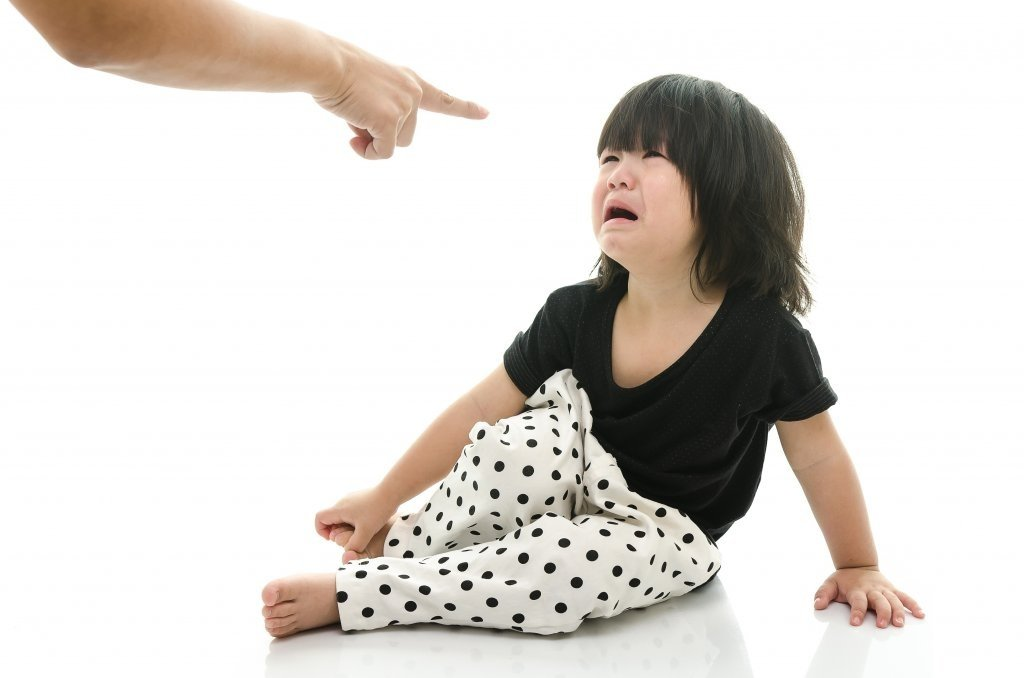懲罰不是為了要讓孩子感到恐懼,帶著恐懼的教養效果不會持久